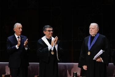 Presidente da República e Reitor da UL aplaudem Manuel Alegre de pé
